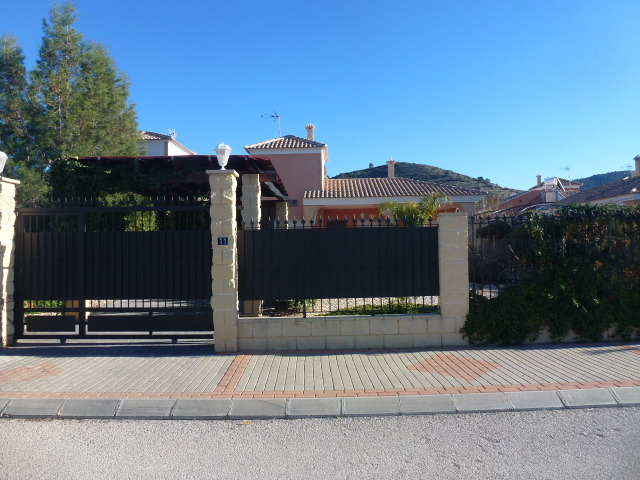 Resale - Detached Villa - Hondon de las Nieves - LA MONTANOSA