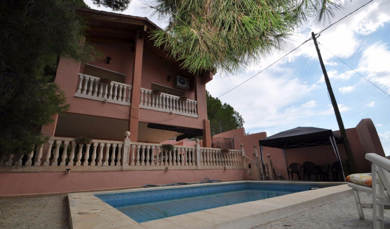 Resale - villa - Pinoso - Edge of town